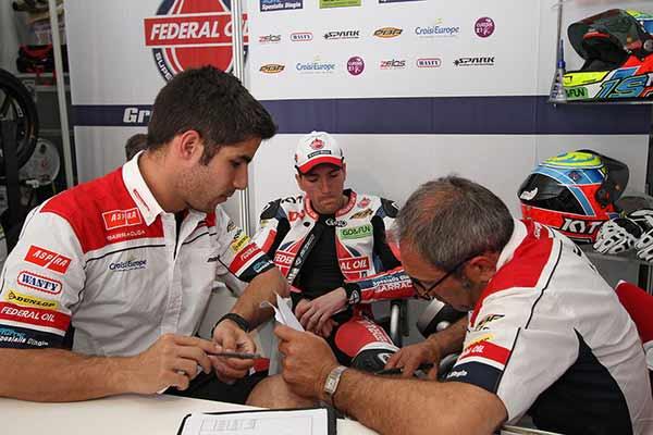 Tim Federal Oil Gresini Moto2, Moto2 Austin Amerika Serikat, Xavier Simeon di Moto2 Austin, Fausto Gresini, Gresini Racing, Masalah Gearbox di tim Federal Oil Gresini Moto2