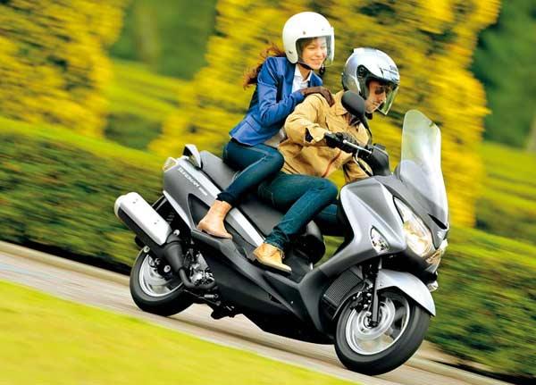 Suzuki Burgman 200 Masuk Indonesia Oktober 2014