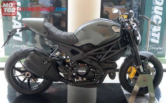 motor ducati, ducati monster 1100 evo, ducati indonesia, supermoto indonesia, ducati monster diesel, harga ducati monster diesel